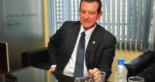 Carlos Silva Medina, gobernador del Depto. de  Ñeembucú